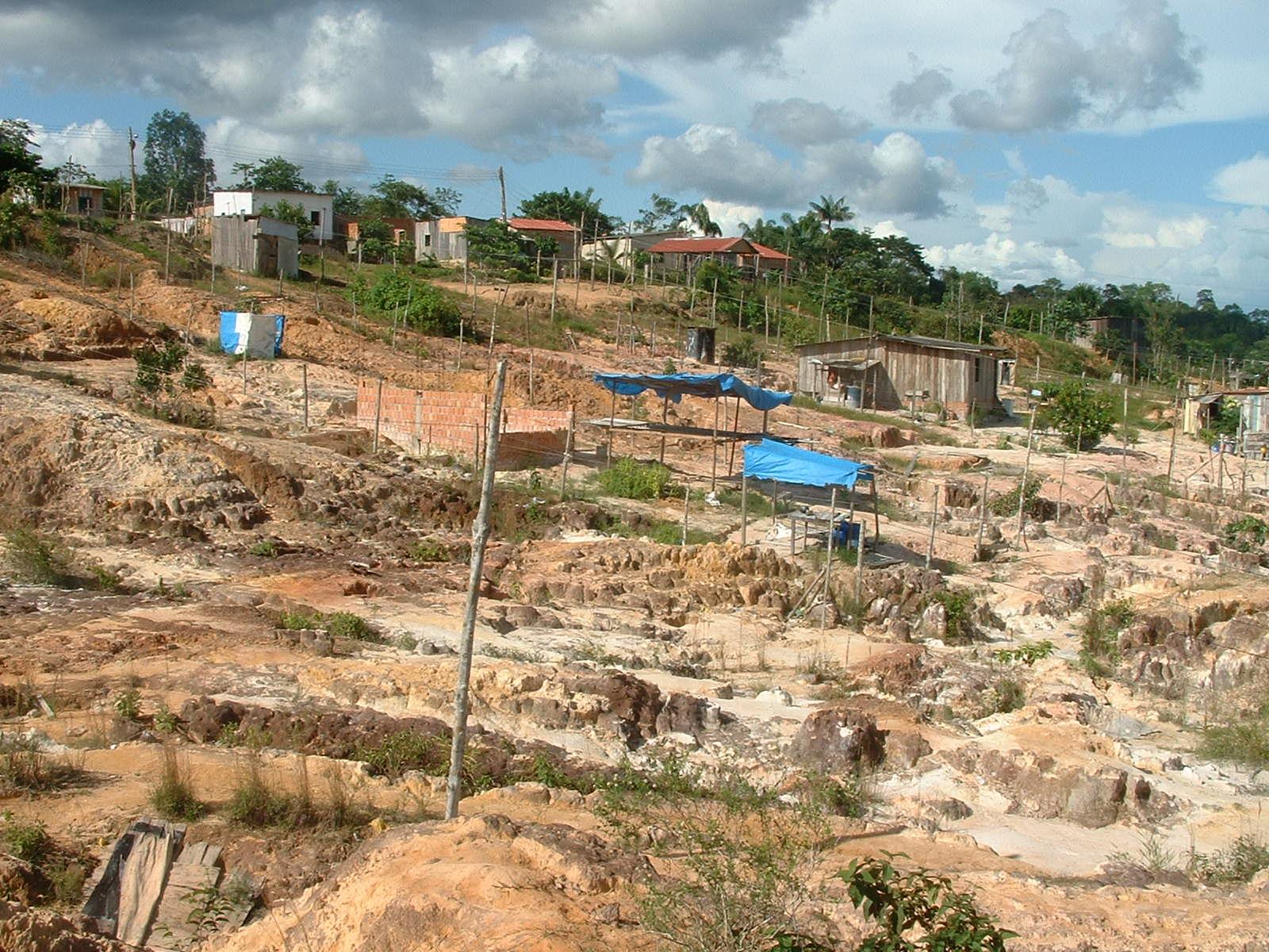 Bild einer Bodenerosion in Manaus