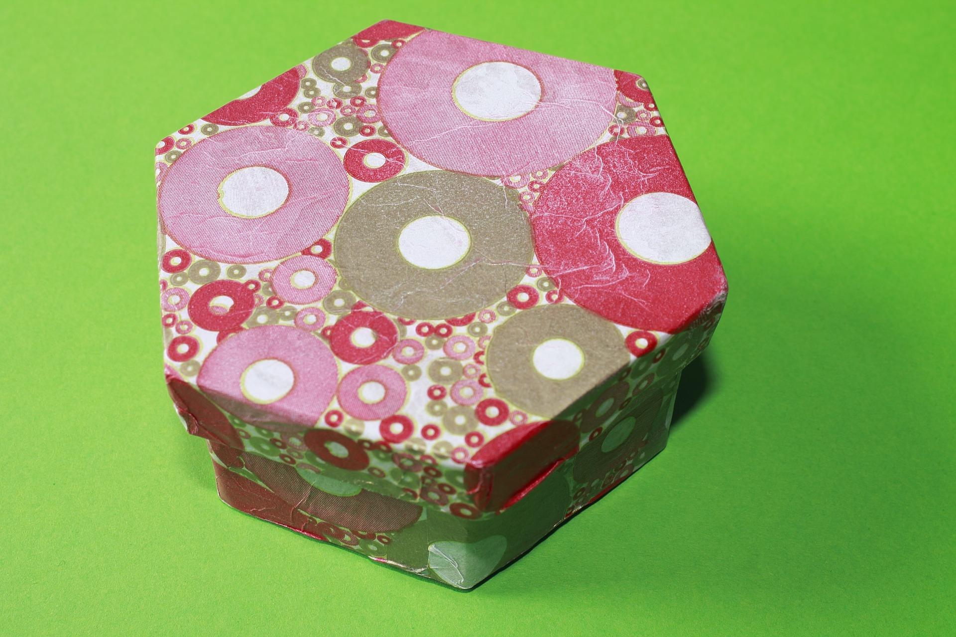 Bild sechseckige Geschenkschachtel